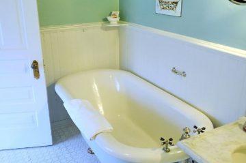 Knute Rockne Original Clawfoot Tub