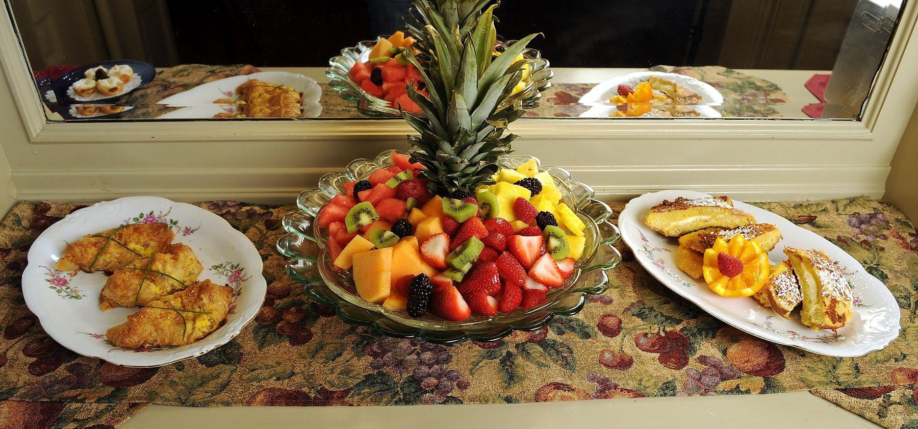 Oliver Inn - Food Buffet